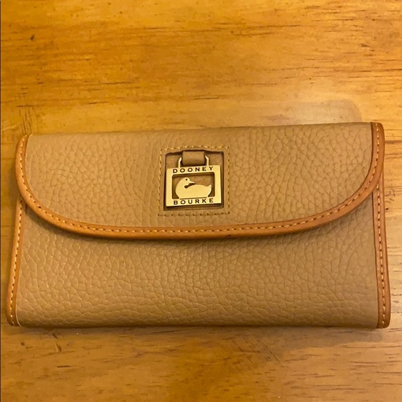 Dooney & Bourke Continental Slim Leather Wallet